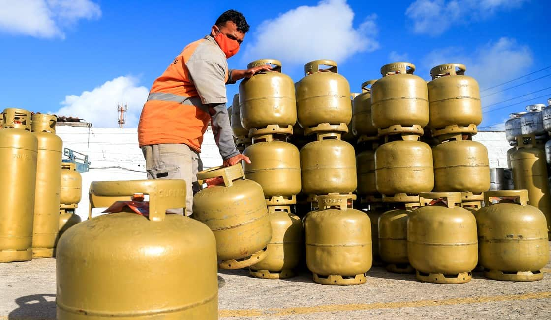 ICMS de até 18% impacta preço do gás; botijão já é vendido por mais de R$ 100