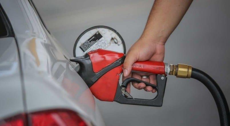 Governadores reagem a novo aumento dos combustíveis e criticam Bolsonaro